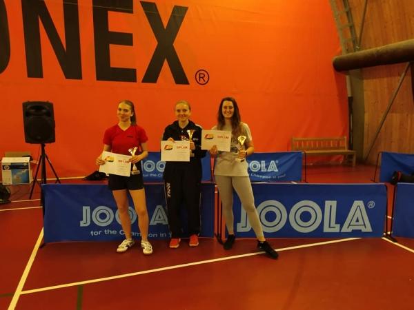 Verča Šimůnková na 1.místě ve dvouhře dorostenek
